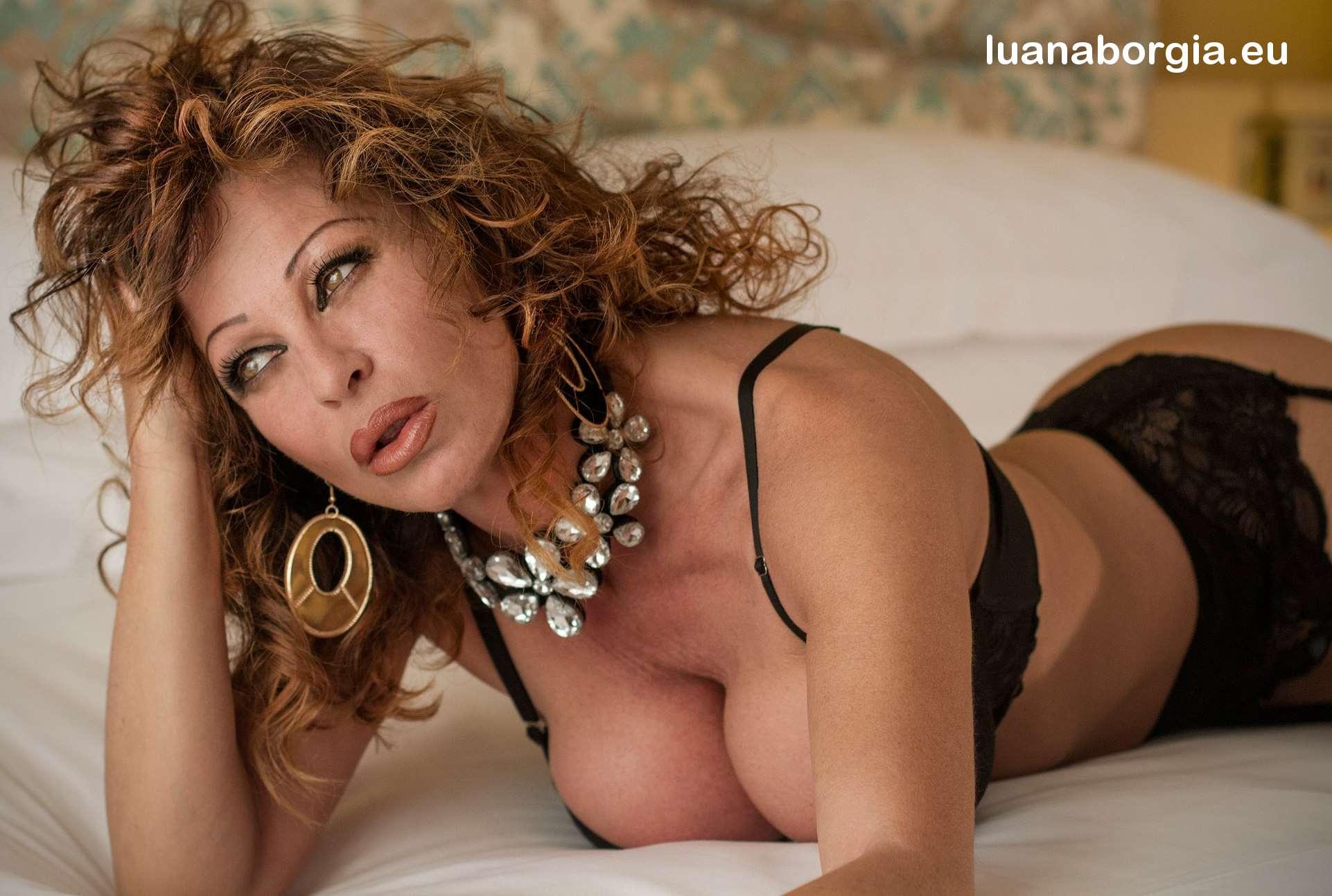 Lesbo Luana Borgia 74